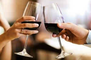Масаж с Вино и шампанско
