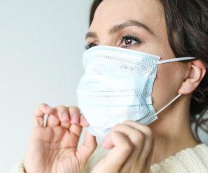 Как да избегнем кожните проблеми, породени от носенето на маска за лице?