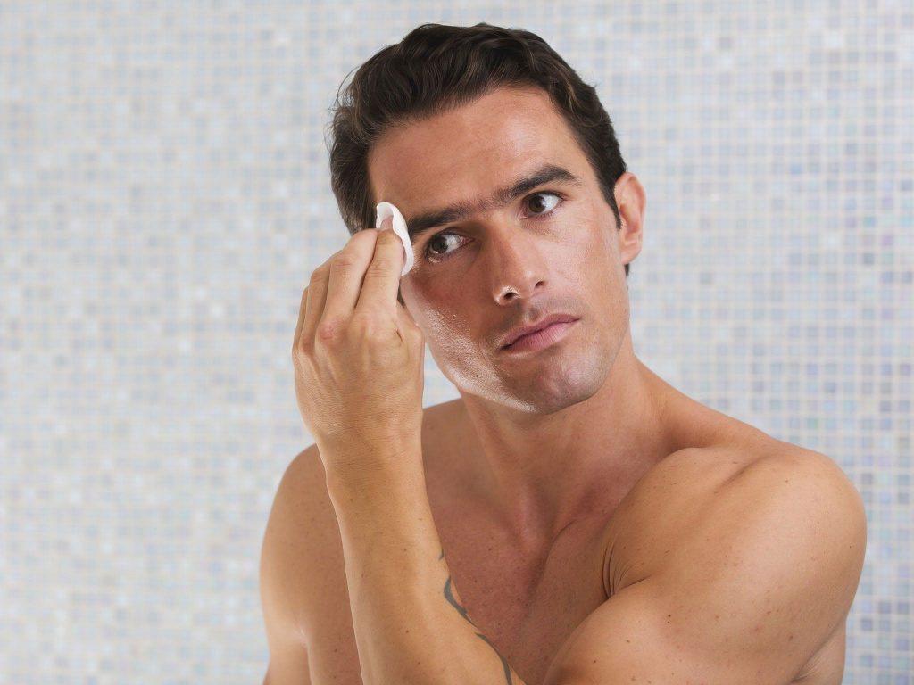 СПА за вас мъже-Дезинкрустираща терапия за свиване на порите за силният пол