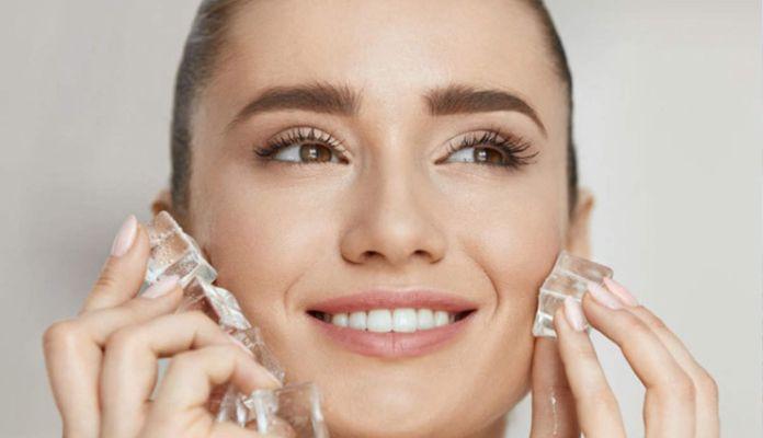 Криотерапия – лечебната сила на студа е широко използван метод и в SPA DEMETRA, заради подмладяващия ефект на студа. Поставянето с ултразвук на леденият серум на околоочния контур помага за премахването на торбичките под очите и подпухналите клепачи, както и за изглаждането на бръчките. Серумът е създаден да утоли жаждата на кожата. Релаксира кожата, снабдява я с нова жизненост, придава свеж и млад вид. След редовната употреба на серума кожата е по-устойчива срещу вътрешни и външни стрес фактори. Поради охлаждащия ефект серума дава релаксираща и свежа нотка. Поради факта, че студът стяга и изглажда кожата, а също и намалява отлагането на мазнини, криотерапията се прилага и при лечението на целулит. За целта има специално създадени крио-сауни, в които само за няколко минути (1 до 3 мин.) се подлагате на – 100 и повече градуса по Целзий. Крио-сауните стимулират обмяната на веществата, калява организма, подсилва имунната система, действат отпускащо, а впоследствие се усещате пълни с енергия.